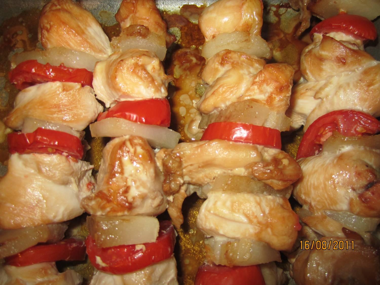 Шашлыки из курицы на шпажках в духовке с пошаговым фото